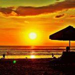 Sunset di Pantai Kuta, Bali. Beeewwt.....Indahnya...