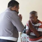 Berdalih Kekurangan, Pensiunan Polisi ini Mengemis Jadi Manusia Silver