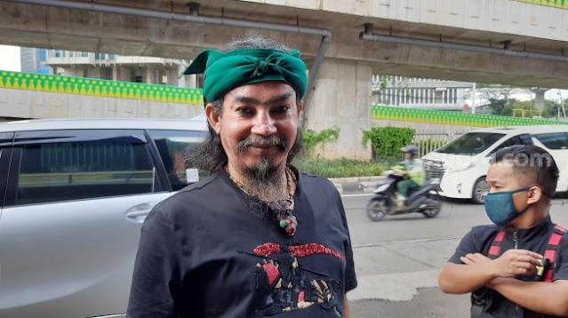 Dikepung 300 Orang Pakai Parang, Master Limbad Islam_kan Puluhan Orang dalam 3 Jam