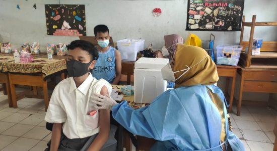 Vaksinasi Massal Pelajar SMAN 2 Muara Enim