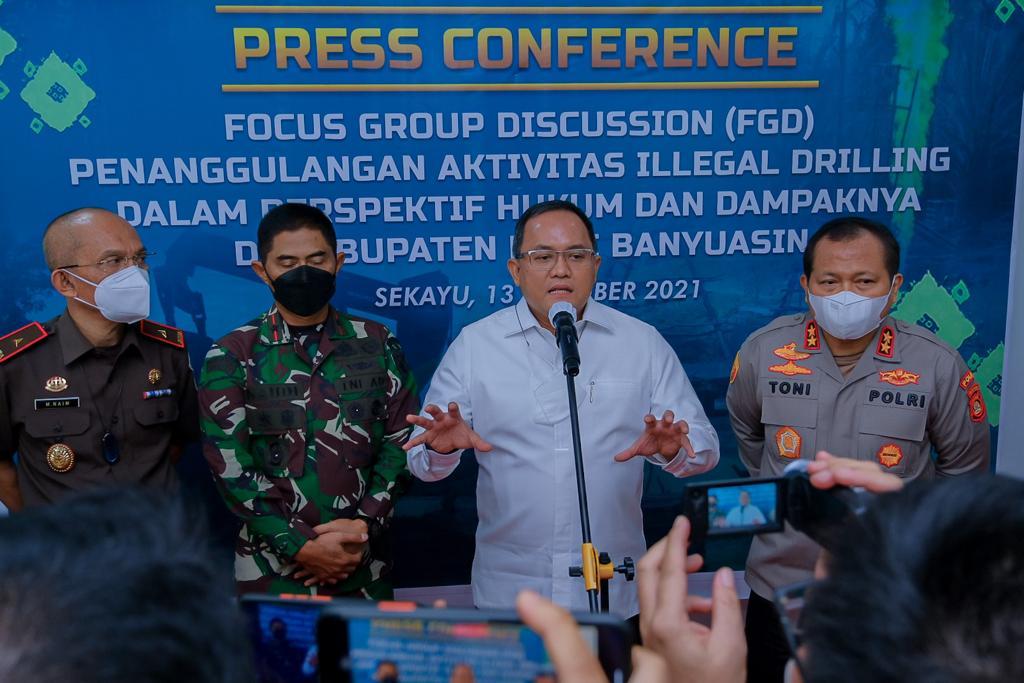 Selesaikan Illegal Driling, Bupati Dodi Reza Dorong Revisi Permen ESDM