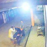 Aksi Tiga Pencuri Sepeda Motor Ini Terekam Video CCTV
