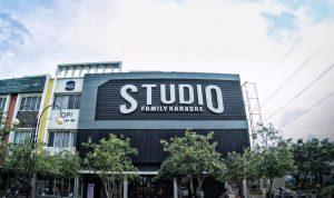 Every One Can Sing : Studio Family Karaoke Hanya Rp.149.000 Bisa Nyanyi Sepuasnya